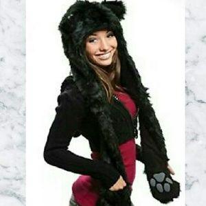 NWOT Fur Bear Paw Hat